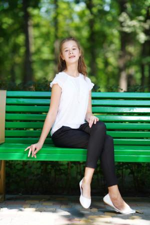 Біла блузка з коротким рукавом