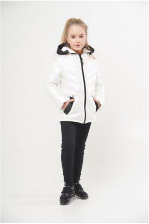 Белая стильная демисезонная курточка для девочки