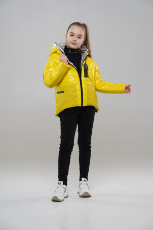 Жовта курточка для дівчинки на весну