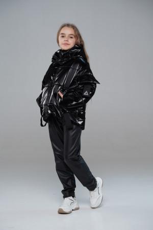 Чорна коротка куртка для дівчинки