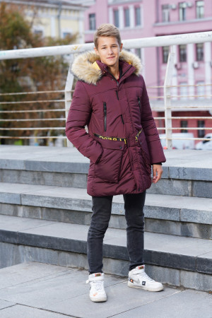 Теплая подростковая куртка цвета бордо