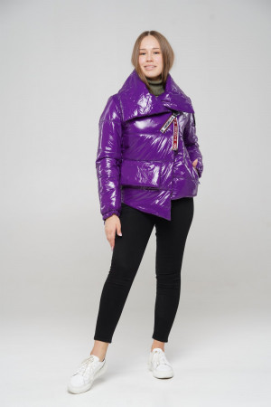 Дутая лаковая теплая куртка для девочек фиолетового цвета