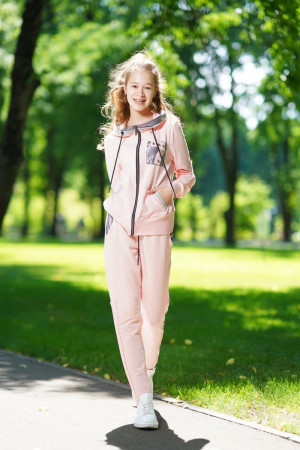Спортивный костюм для девочки цвета пудра