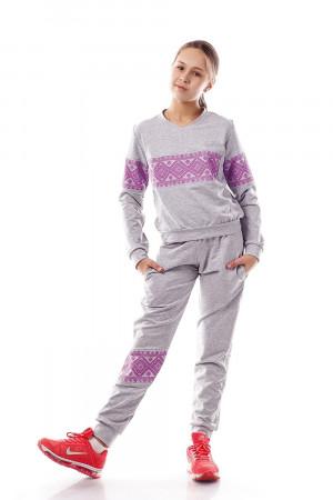 Спортивный костюм для девочек с розовым орнаментом